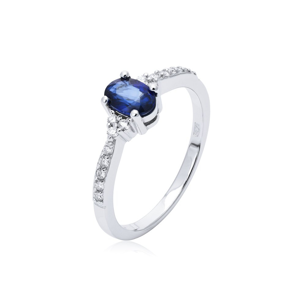 68622056630f2a Pierścionek z białego złota z szafirem i diamentami - Adoro